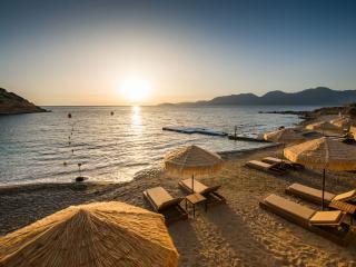 Туры в Грецию на 8 ночей, 2взр+1реб, отели 4 и 5*, все включено от 88 546 руб за ТРОИХ — июнь