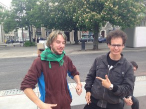 Yvan et Johan, les vainqueurs intergalactiques du tournoi intergalactique de Mölkky de Genève