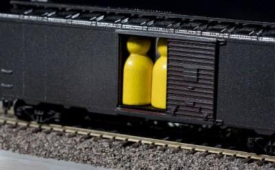 brenda-romeros-train-board-game-will-make-you-ponder-the-holocacDo0hz