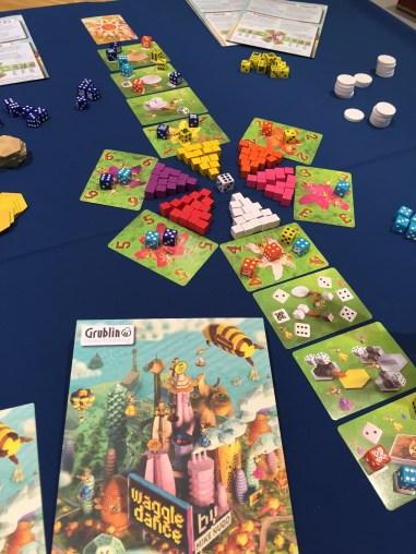 Waggle Dance, superbe couv pour ce jeu d'abeilles