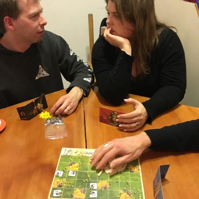 Armadöra, avec les deux gérants du nouveau magasin de jeux à Genève, l'Epee à deux Nains