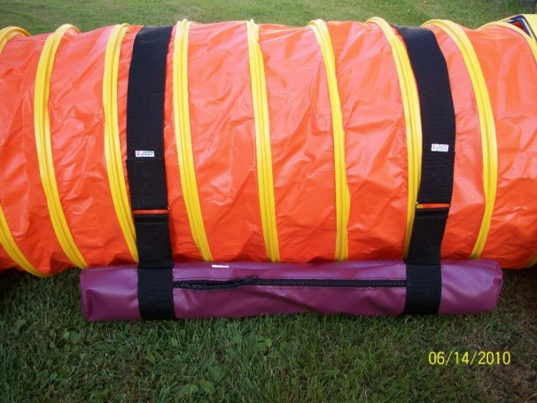 close-up-of-agility-tunnel-and-snuggler-sand-bag-with-3-inch-strap-1024x768
