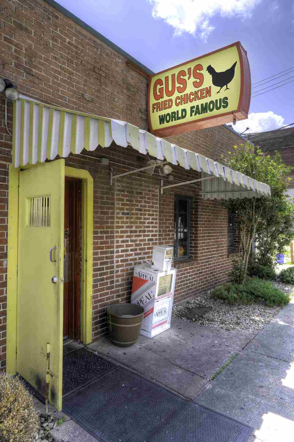 Street front Downtown Memphis Gus Fried Chicken