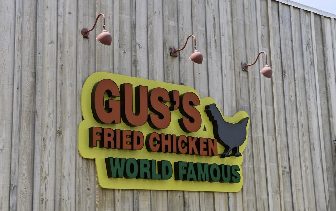 Sign Southaven Gus Fried Chicken