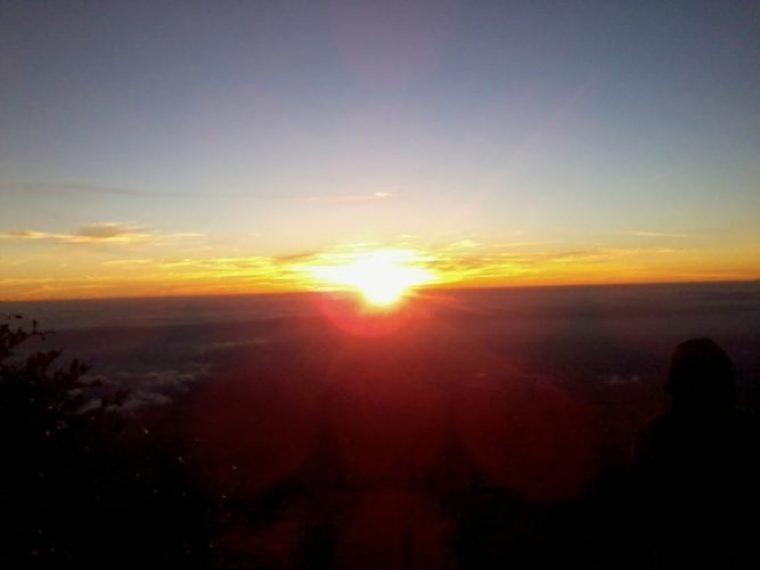 Matahari terbit di dekat Sendang Drajat. Dok. Pribadi