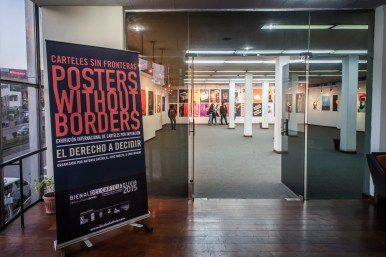 Posters without borders - The right to decide