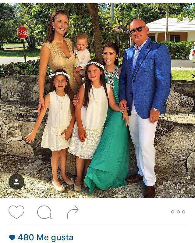 Gustavo Mirabal Castro and his family