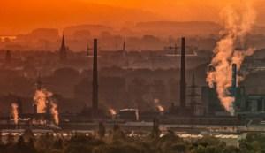 Ciudad con contaminación del aire