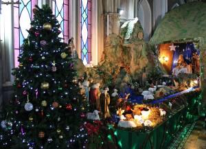 Arbolito de Navidad y el pesebre