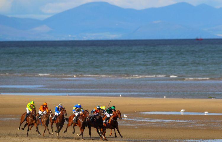Carrera de caballos Laytown en Irlanda
