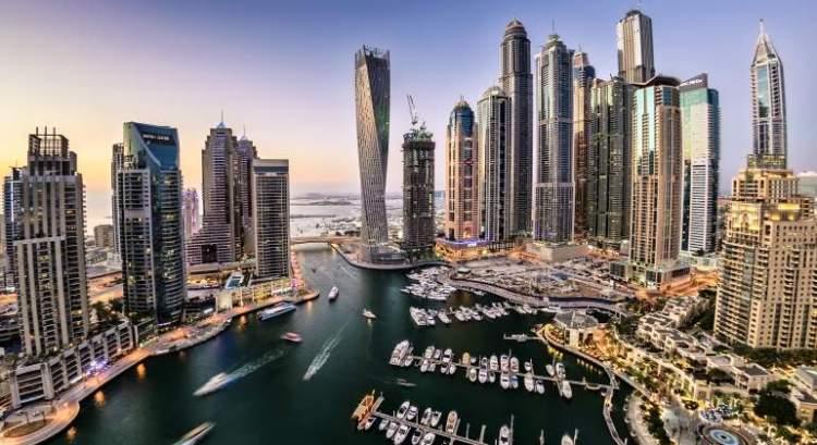 Dubai skyscrapers - Gustavo Mirabal Castro's new life in Dubai