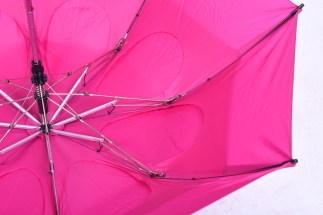 GustBuster Metro windproof umbrella Fuchsia raindrop vents