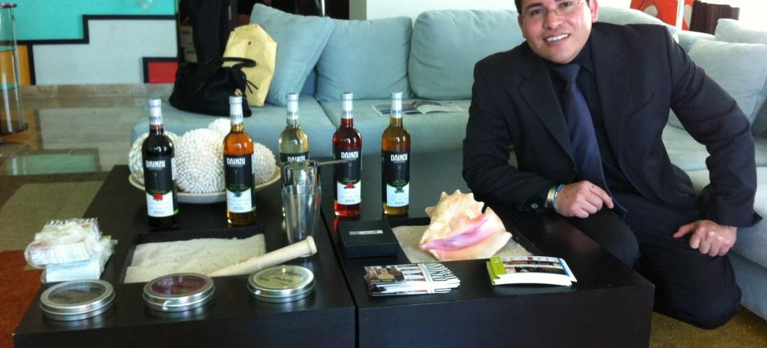 "Lo mas destacado 2012 Junior Merino @TheLiquidChef inauguró Celebrity Lounge at ""Cancún Wine & Food Festival"""