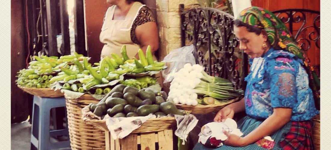 """#México a través de la lente """"Vendimia en el mercado de Tlacolula Oaxaca"""" @marioli_5"""