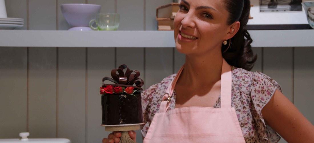 "Este Martes 6 Nov 2012 21:30 hrs en @elgourmet ""Dulces Celebraciones"" con Chef Paulina Abascal @Paulina_Abascal"
