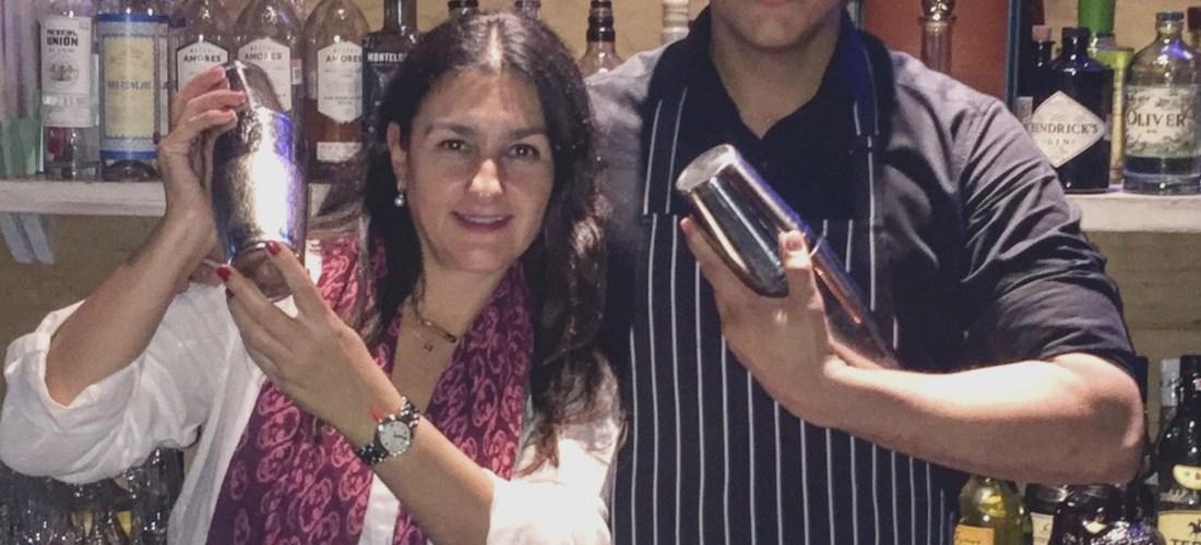 Tamara Quiroga conversa de Mixología con Mike Balandra La O11CE Gastrobar @LaO11CEgb descubre sus bebidas e historia #MixólogosMexicanos