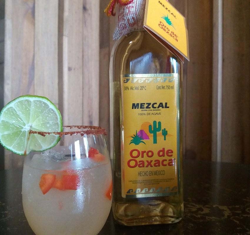 Mezcal Oro de Oaxaca para disfrutar en este Día del Amor y la Amistad