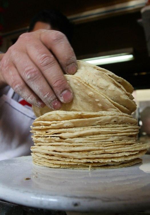 Tortillas maíz (Cortesía: img.sdpnoticias.com)