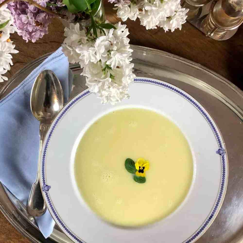 Spargelschalen Suppe
