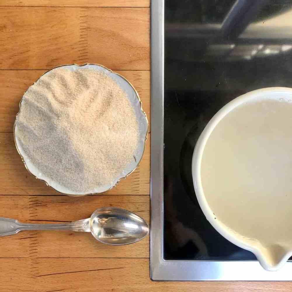 1 l Wasser zum kochen bringen.