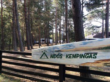 Nidos Kempingas Surfbrett