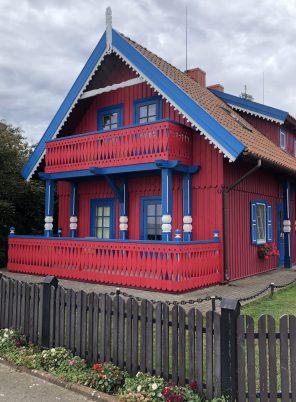 Rotes Fischerhause aus Holz