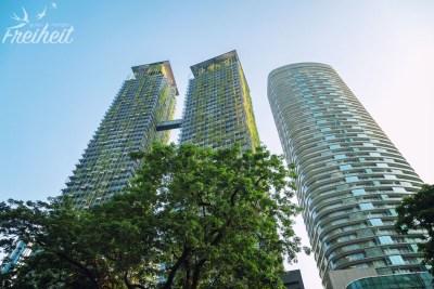 Direkt gegenüber den Petronas Towers sind diese grünen Zwillinge