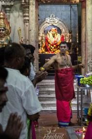 Zeremonie im Sri Srinivasa Perumal Tempel