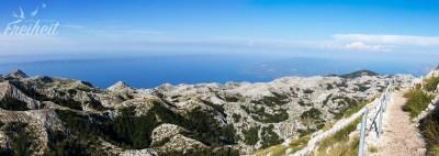 Fantastischer Blick auf Berge, Meer und Inseln