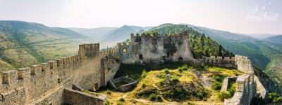 Festung Stjepan grad eingetaucht im magischen Morgenlicht