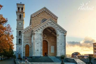 Die neu erbaute Kathedrale der Seligen Mutter Teresa