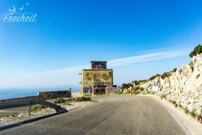 Die Passstraße lässt sich besser fahren als manch andere Straßen in Albanien