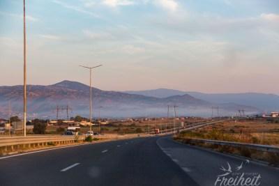 Bei Morgenlicht unterwegs zum Rila Nationalpark