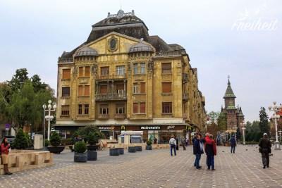 Einer von vielen aus dem frühen 20. Jahrhundert erbauten Wohnpalais rund um den Siegesplatz