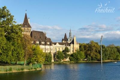 Schloss Vajdahunyad im Stadtwäldchen