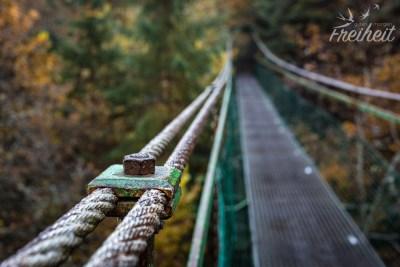 Die Brücke an sich macht einen stabilen EIndruck...