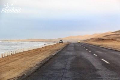 Links Meer, rechts Wüste!