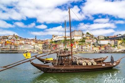 Rabelo Boote transportierten früher die Portweinfässer