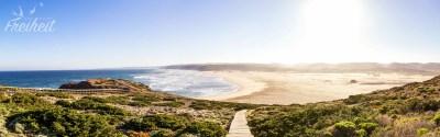 Blick auf den Praia da Bordeira: mit 3km Breite sicherlich der breiteste Strand von Portugal