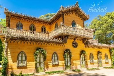 Inspiriert von Schweizer Almhütten und mit typisch portugiesischen Materialen wie Kork dekoriert