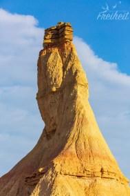 Dort thronen sie, die Steinplatten, die diese außergewöhnliche Form erst möglich machen