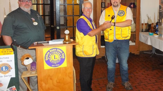 Guthrie Noon Lions Club installs new president