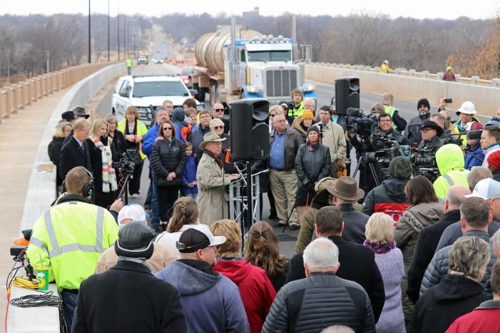 Watch: Cottonwood Creek bridge nears completion; ceremony held on bridge