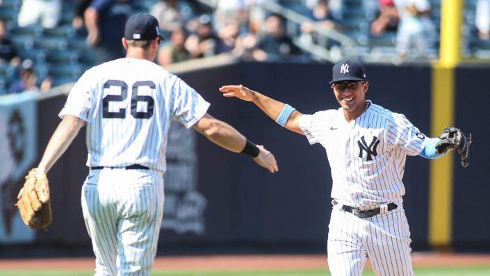 Yankees turn a wild TRIPLE play…