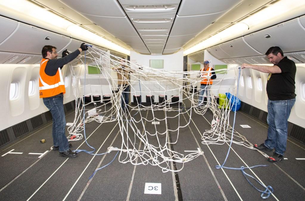 Air Canada B777-300ER cabin