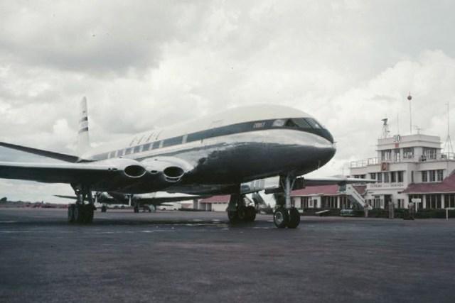 BOAC Comet 1 at Entebbe Airport, Uganda in 1952