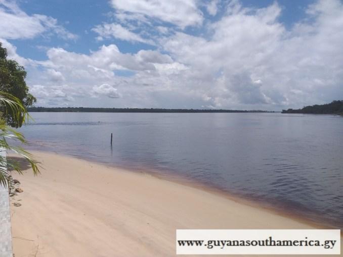 Aruwai Island Resort - Mazaruni River - Scenes