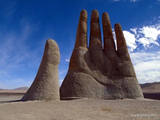 La fameuse Main du désert