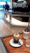 Un dernier café con piernas...