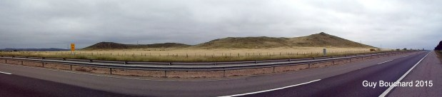 Sur le bord de la Ruta 5 (encadré par les gardes-fou et la cloture, la maudite cloture toujours, toujours présente...)